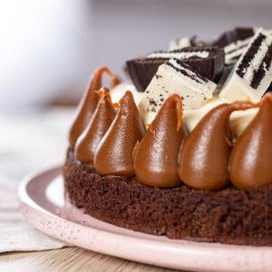 Brownie oreo cake